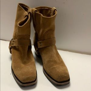 FRYE SUEDE TAN DISTRESSED BOOTS Size 10M